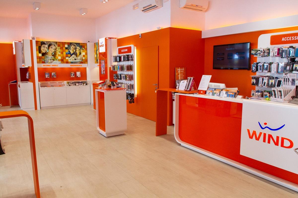 Wind store jesolo fusaro srl jesolo excellence for Mobil shop srl
